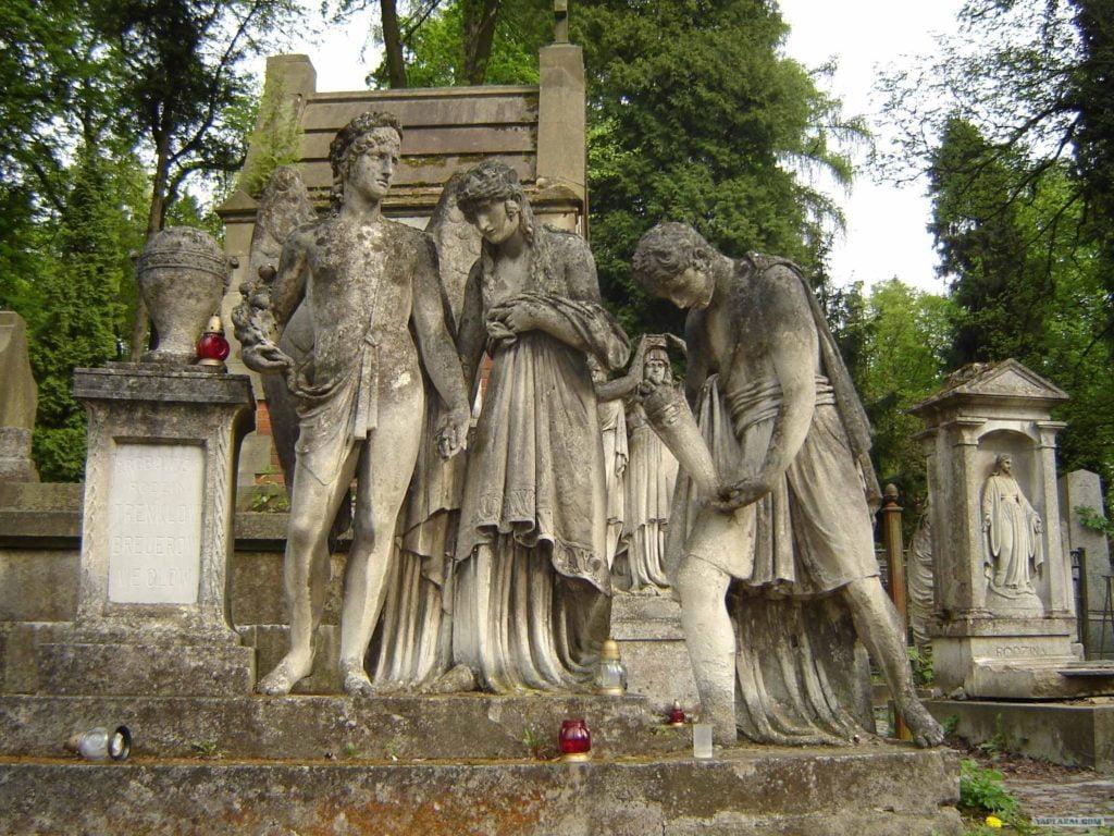 Екскурсія Личаківським кладовищем